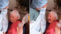 abuela insulto a todos cuando la vacunaron contra el covid