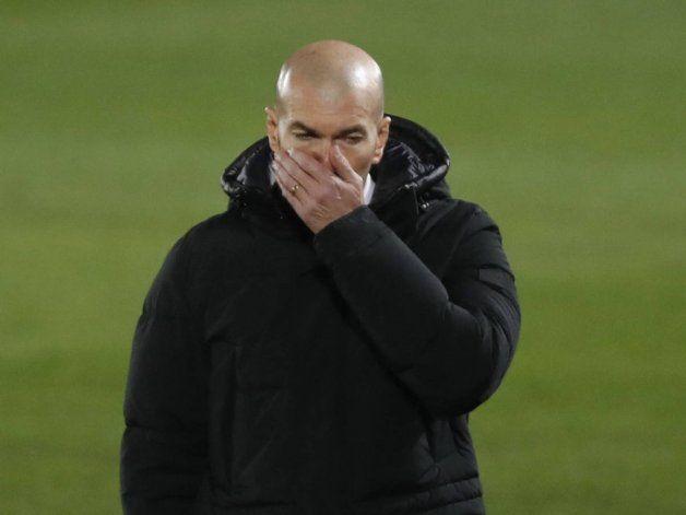 Zidane, positivo de Covid y hay preocupación en el Real Madrid