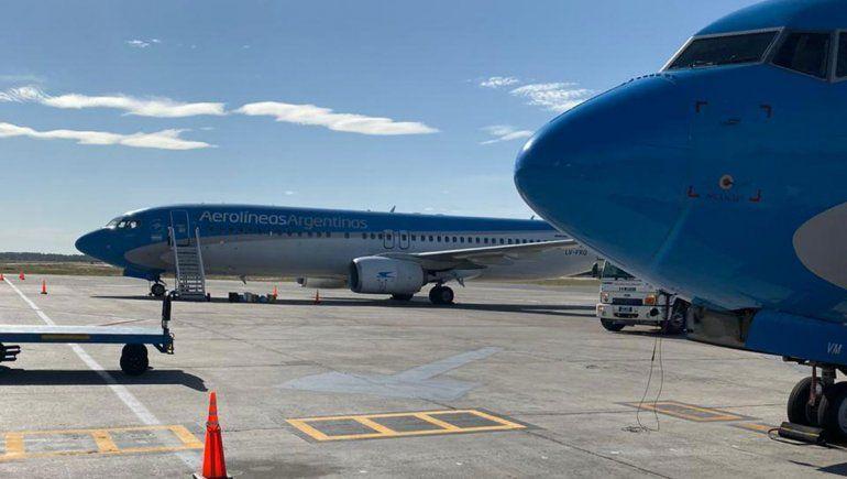 Repatriados increparon a los voluntarios de Aerolíneas Argentinas
