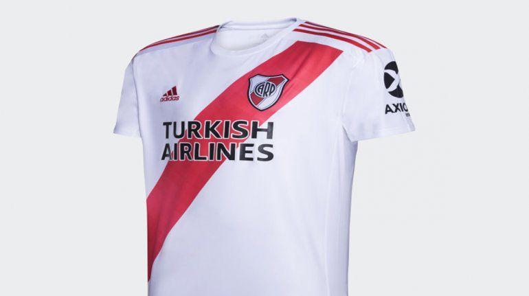 La camiseta de River vale millones y el club se prepara para renegociarla.