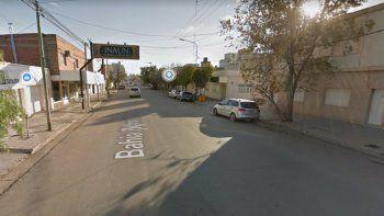 feroz enfrentamiento entre jovenes y policias en el barrio belgrano