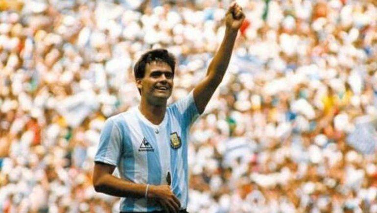 Buscan la camiseta que usó el Tata Brown en la final del Mundial 86