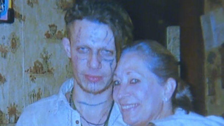 Pazuzu Algarad y su madre.