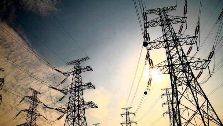 El gobierno nacional busca sostener los subsidios a la energía en términos constantes respecto del Producto Bruto Interno. El ENRE convocó a las empresas del sector.