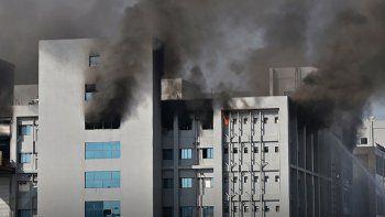 Incendio en laboratorio encargado de fabricar la vacuna Oxford