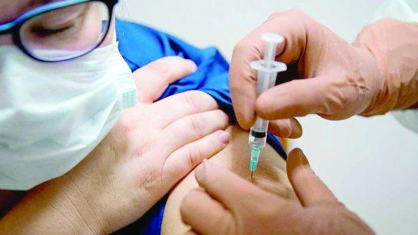 Los argentinos que prueban esta vacuna tienen entre 18 y 85 años.