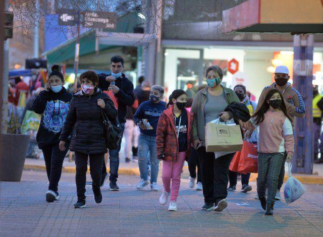COVID: cinco fallecidos y 212 nuevos casos en Neuquén