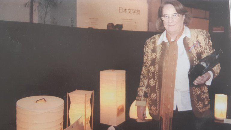 Pirucha, durante la distinción que recibió en el certamen de poesía japonesa.