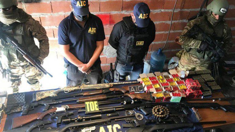 Cayó una banda de policías que vendía armas